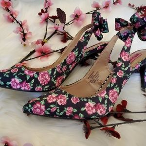 Betsey Johnson Heels Floral Bow Slingback Size 8.5